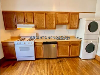 Brighton 4 Beds 2 Baths Boston - $2,800 No Fee