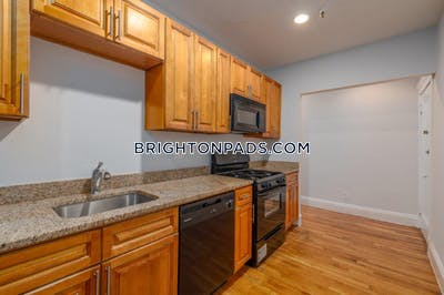 Brighton 2 Beds 1 Bath Boston - $2,600